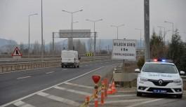 Bilecik ayrımı köprülü kavşağı'' trafiğe kapandı