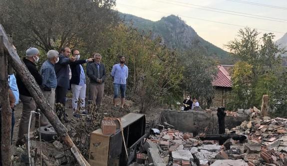 Vali Kızılkaya'dan evi yanan aileye ziyaret
