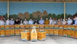 80 üreticiye ''1250'' arı kovanı dağıtıldı