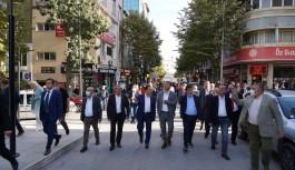 CHP'Lİ BELEDİYE BAŞKANLARI ATATÜRK PARKI'NI GEZDİ